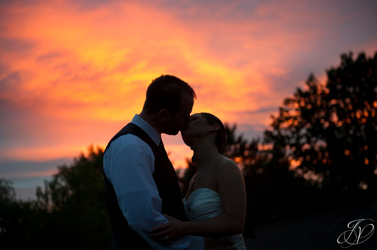 sunset photo with bride and groom, sunset photo with bride and groom, The Glen Sanders Mansion, Albany Wedding Photographer