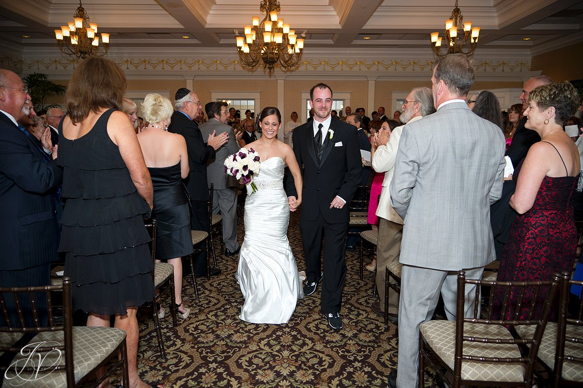 wedding ceremony photo, bride and groom in isle photo, The Glen Sanders Mansion, Albany Wedding Photographer