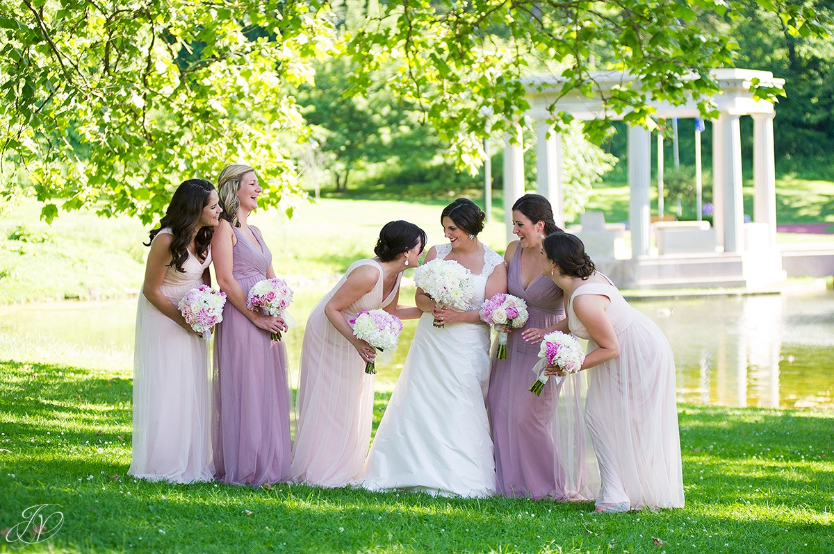 cute bridal party photo, bridesmaids in saratoga congress park