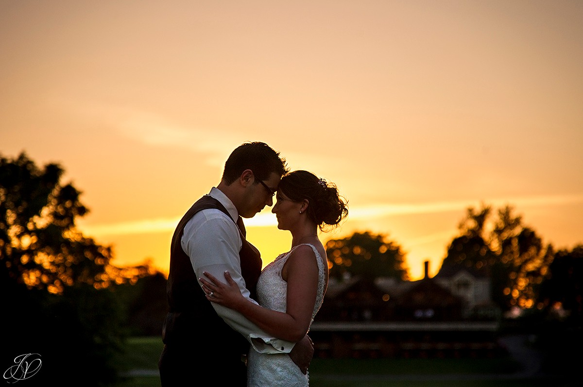 bride and groom sunset photo at shenandoah valley golf club