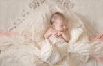 Charlotte Maternity Photographer / Maternity Photos at Christmas Tree Farm