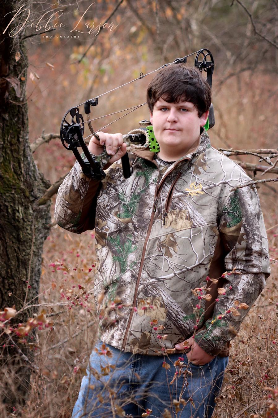 iowa senior hunting picture debbie larson photography