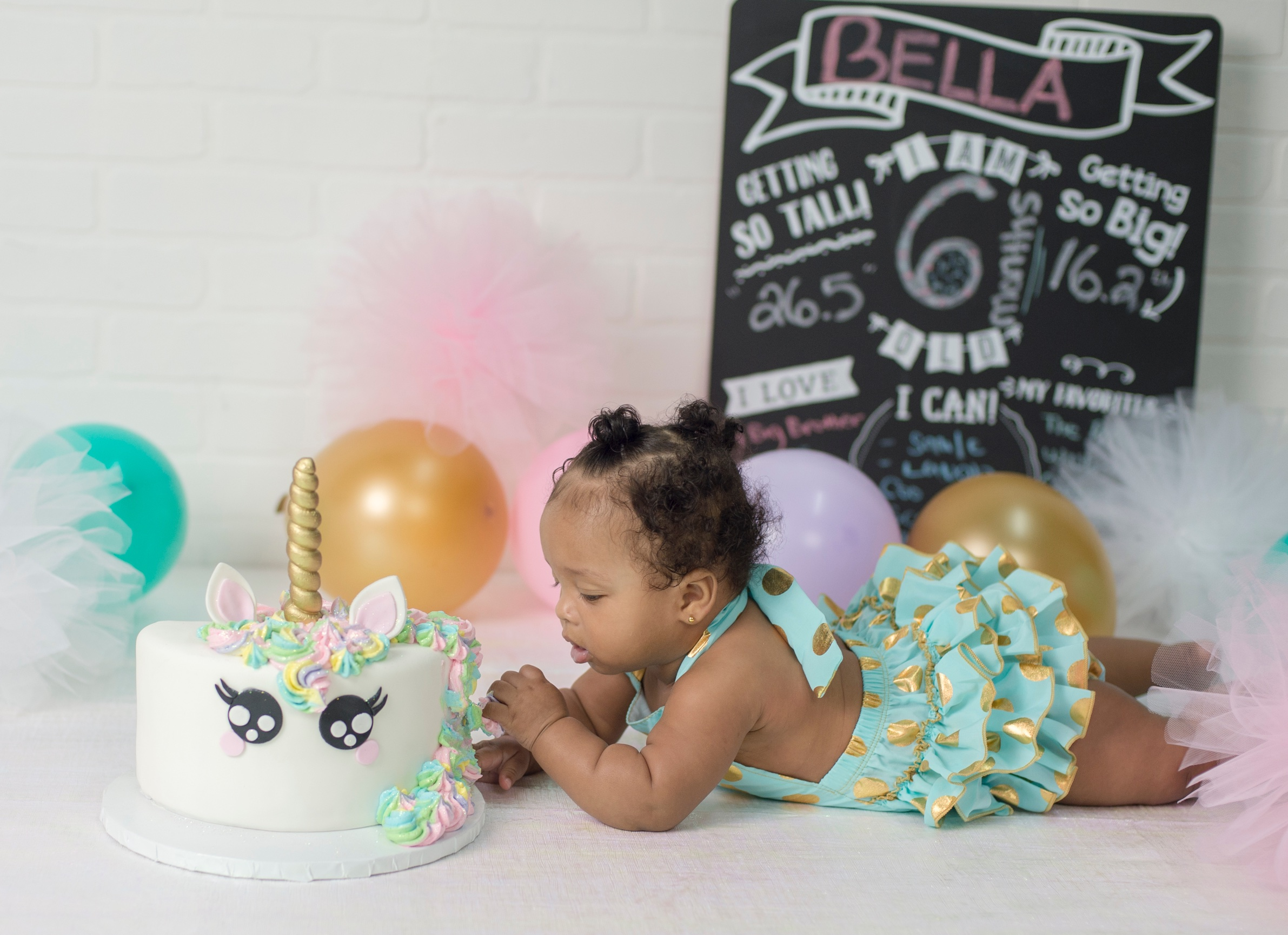6 Month Milestone Photo Session Mom Bought This Beautiful 1 2 Cake Decorated As A Unicorn Bella Had No Problem Enjoying Her Smash Party