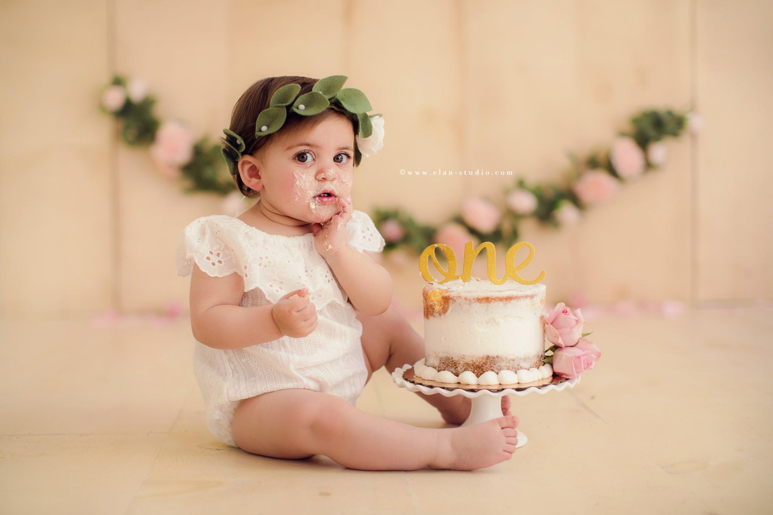 boho floral cake smash, first year cake smash, first birthday cake smash, Tracy Sweeney