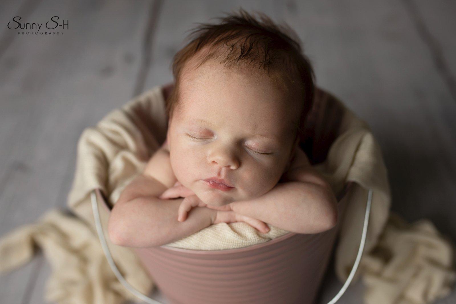 15 day old madeline winnipeg newborn photography